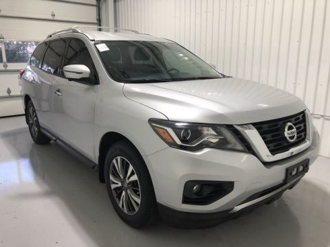 Pre-Owned 2017 Nissan Pathfinder SL w/ Technology Package
