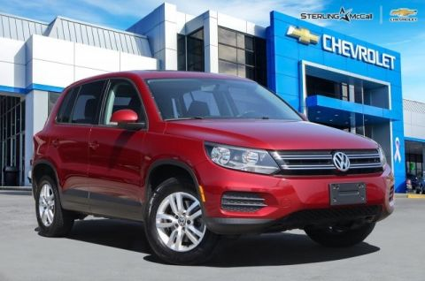 Pre-Owned 2013 Volkswagen Tiguan S WITH SUNROOF